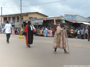 Women display the different roles that the Cameroonian play in society