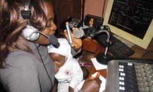GPInews_GPJnews_Cameroon_CM_workingnursingmoms_116_web